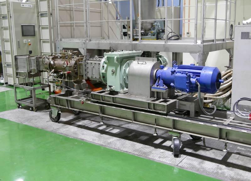 二軸連続式反応機「HBリアクタ」